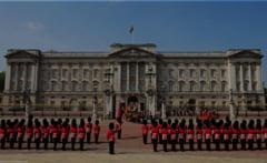 The Guardian: Palatul Buckingham le-a interzis imigrantilor de culoare sa lucreze la Curtea Regala