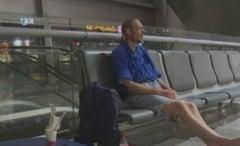 The Terminal, varianta 2016: Un barbat a ajuns epuizat la spital - a asteptat in aeroport 10 zile o femeie