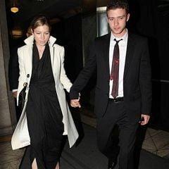 Timberlake se insoara cu Jessica Biel pe o insula