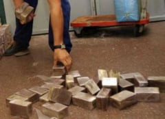 Tineri arestati la Barlad pentru ca vindeau hasis