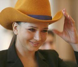 Tinerii PD-L-isti o sustin cu ardoare pe Elena Basescu
