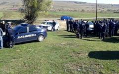 Tinerii evadati din Timis, cautati in Olt de un efectiv impresionant de politisti, jandarmi si voluntari. Au fost adusi caini de urma si un elicopter