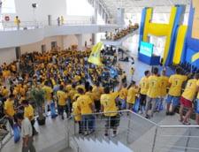 "Tinerii liberali l-au aplaudat ""cu solidaritate"" pe Cristian Anghel la Gala TNL"