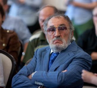 Tiriac, catre Ponta si Gabi Szabo: Terminati dracu' sala aia ca ne facem de ras