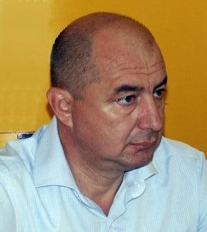 Titi Holban a vrut sa se inscrie in partidul lui Tariceanu, dar a ajuns in ... UNPR