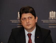 Titus Corlatean a demisionat de la MAE, scena politica fierbe: Tardiv si inutil, un copil capricios care se victimizeaza