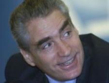 Titus Corlatean cere suspendarea lui Petre Roman din Guvern