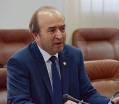 Toader: Premierul a semnat sesizarea catre CCR in cazul Kovesi, astazi ajunge la Curtea Constitutionala