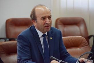 """Toader, despre declaratia lui Iohannis cu """"superministrul care dicteaza presedintelui"""": A zis bine!"""