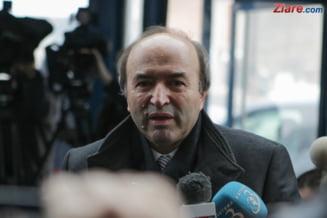 Toader se intalneste luni cu Dancila pentru a finaliza sesizarea CCR in cazul revocarii lui Kovesi