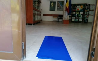 Toate scolile din Dorohoi trec la cursuri in sistem online pentru 14 zile