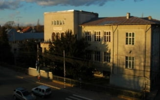 Toate scolile din Targoviste vor avea un agent de paza, dupa moartea elevului de 15 ani