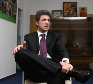 Toate tunurile pe Gica Popescu. Rivalii de la alegerile FRF il ataca fara mila