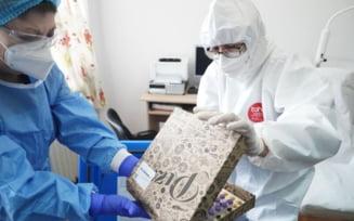 Toate vaccinurile anti-COVID au plecat de la Institutul Cantacuzino in cutii de pizza. O cutie a scapat, insa, neacoperita de autocolant