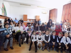 Toleranta si Ziua Universala a copiilor, celebrate la Scoala Gimnaziala Nr. 1 Motru. Autoritatile, prezente la eveniment