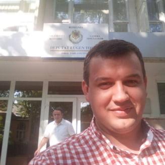 Tomac: Romania are astazi un presedinte mai mult in concediu si un premier urmarit penal