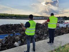 Tone de deșeuri din cupru, descoperite de polițiștii români de frontieră. Gunoiul, returnat în Spania