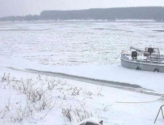 Tonele de gheata de pe Dunare ar putea deteriora Podul Prieteniei