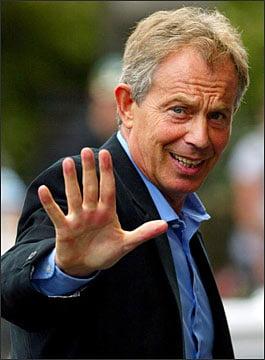 Tony Blair, plasat sub arest cetatenesc de un jurnalist de la Bruxelles