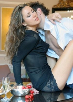 Top 4 al fanteziilor sexuale feminine