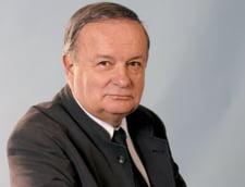 Topescu: Parlamentarii ar putea renunta la lifturi odata pe saptamana