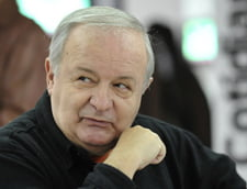 Topescu comenteaza greselile gramaticale ale ministrilor: Ar trebui sa jure si pe DEX!