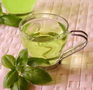 Topeste grasimea abdominala cu ceai verde