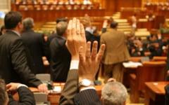 """Topul aberatiilor legislative din Romania. Cum poti sa te alegi cu dosar penal pentru """"autovatamare"""" corporala"""