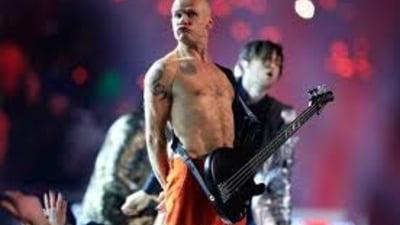 Topul celor mai bogati basisti: Cati bani pot scoate unii din cantatul la chitara
