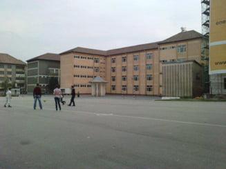 Topul celor mai bune colegii din Romania dupa mediile la Bacalaureat 2020. Un liceu din Ramnicu Valcea se claseaza pe primul loc, cu sapte elevi de 10