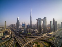 Topul celor mai luxoase hoteluri din Dubai. Cat te costa o noapte la celebrul Burj Al Arab FOTO