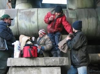 Topul meseriilor copiilor strazii: cersetoria si spalatul parbrizelor