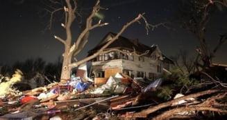Tornada devastatoare in centrul SUA: Noua morti si zeci de raniti (Video)