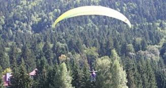 Tot ce vrei sa stii despre zborul cu parapanta - Doza de distractie Ziare.com