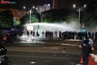 Tot mai multi protestatari vin la Parchetul Militar - sunt 257 de plangeri pentru abuzuri ale jandarmilor. Au fost 119 audieri