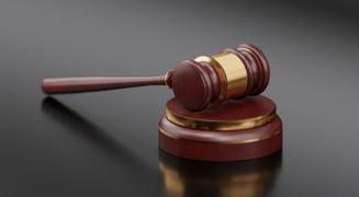 Toti cei 24 de inculpati in dosarul de trafic de copii de la Tandarei au fost achitati pentru ca faptele s-au prescris