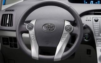 Toyota va rechema 2,7 milioane de masini, din cauza unor probleme cu volanul