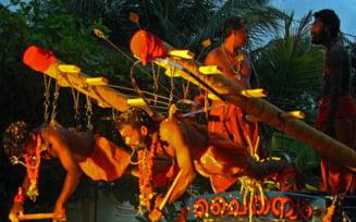 Traditii religioase bizare de pe mapamond (Galerie foto & video)