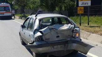 Trafic blocat in urma unui accident produs la Jitaru. Un autocamion a acrosat o masina