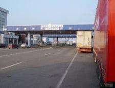 Trafic deviat pe autostrada de la Nadlac spre Arad: Sute de camioane, langa vama