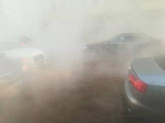 Trafic ingreunat la Gara de Nord. O conducta cu apa calda s-a spart, zona e acoperita cu abur (Foto)