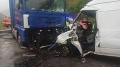 Trafic ingreunat pe Valea Oltului din cauza unui accident. Circulati cu mare atentie