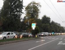 Trafic ingreunat pe autostrada Bucuresti Pitesti, dupa ce doua tiruri s-au rasturnat
