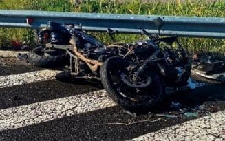 Trafic restrictionat pe DN1 la Banesti din cauza unui accident cu motociclete. Trei persoane au fost transportate la spital