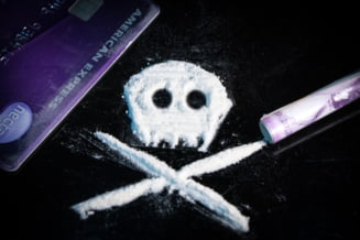 Traficanţi de droguri arestaţi la Brașov după ce un tânăr a murit de supradoză VIDEO