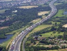 Traficantii de imigranti ilegali ii descarca direct pe autostrazile britanice