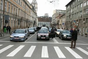 Traficul din municipiul Cluj-Napoca, supravegheat de peste 200 de camere video