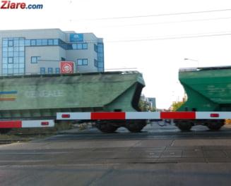 Traficul feroviar a fost blocat in judetul Buzau: Dintr-un vagon cisterna s-a scurs acid clorhidric UPDATE