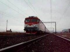 Traficul feroviar in Bistrita-Nasaud e oprit, din cauza precipitatiilor abundente