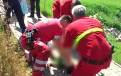 Tragedie! Un copil a fost spulberat de o masina in timp ce parintii pozau un lan de rapita